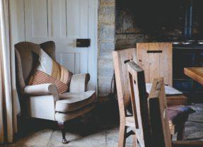 Un fauteuil vintage pour plus de cachet dans sa déco